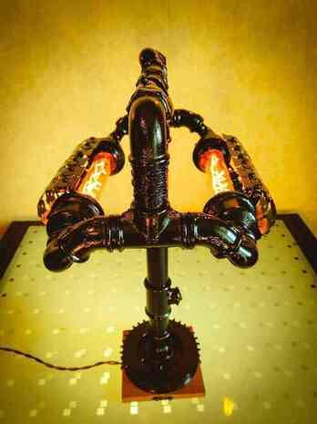 Настольная лампа лофт Джагернаут из чугуна