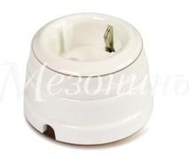 Розетка фарфоровая , двухполюсная, с заземляющим контактом ( D70x45),коллекция ПЕТЕРГОФ, цвет -платина на белом, МезонинЪ GE70301-49