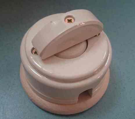 Выключатель 1-кл (проходной) 2х позиц. (Слоновая кость) с подроз. береза с кер ручкой (ПОЛУМЕСЯЦ) арт.Z003072