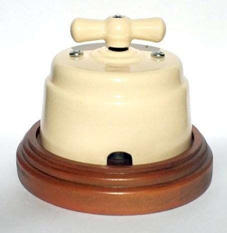 """Выключатель 1-2 кл (проходной) поворотный керамический interior electric, серия """"арбат"""", 220/10а, сл. кость ВПК-02-2"""