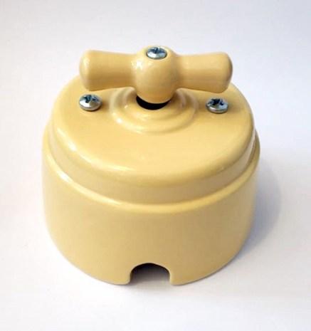 """Выключатель 1-2 кл (проходной) поворотный керамический interior electric, серия """"арбат"""", 220/10а, """"песочный"""" ВПК-03-2"""