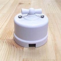 B1-203-21 Bironi Перекрестный выключатель пластик, белый