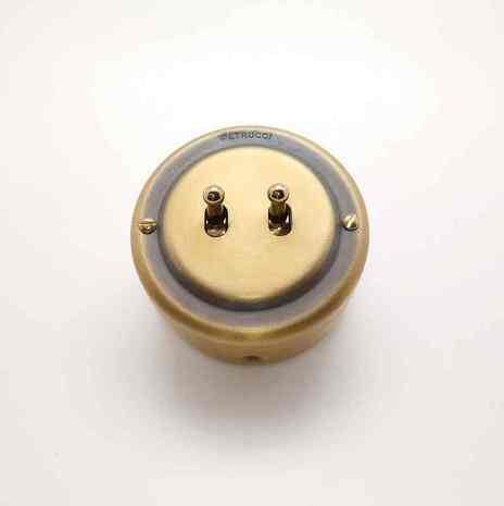 PETRUCCI выключатель двухтумблерный, латунь, цвет умбра
