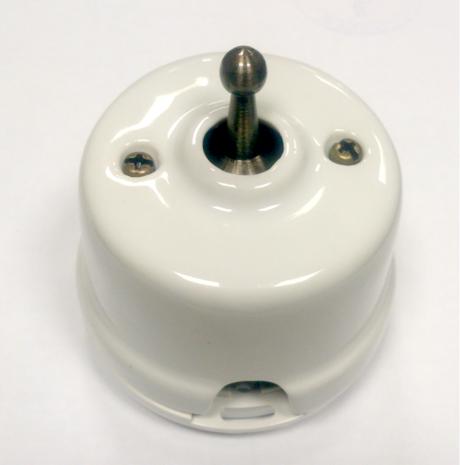 Выключатель 1-кл (проходной) OP41WT тумблерный 2-х позиционный для наружного монтажа, белый