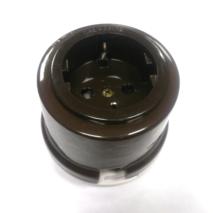 OP12BR Розетка с заземлением и шторками для наружного монтажа, коричневый