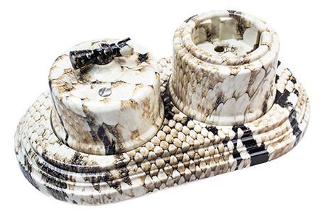 Выключатель 2-клавишный, пластик, королевская кобра Bironi B1-202-12
