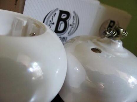 B2-202-010/18 Bironi Выключатель 2-х кл. Фаберже перламутр
