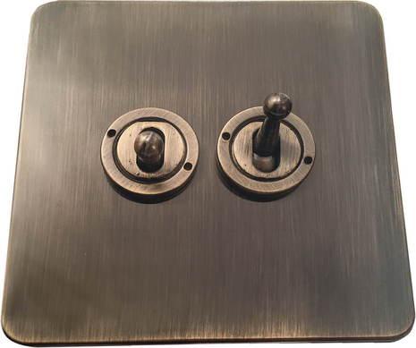 Двухклавишный тумблерный выключатель проходной Balfour Excellent E1100AB