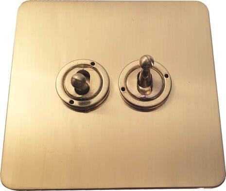 Двухклавишный тумблерный выключатель проходной Balfour Excellent E1100BB