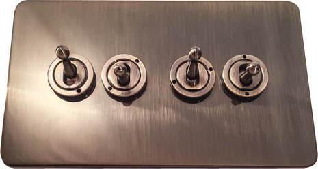 Четырёхклавишный тумблерный выключатель проходной Balfour Excellent E1111AB