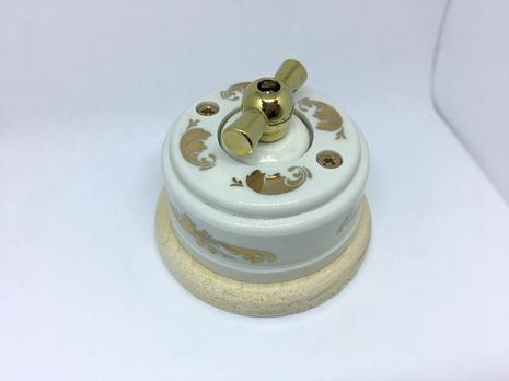 Выключатель 1-кл (проходной) 1 поз. (Золото) с подроз. береза с МЕТАЛ. РУЧКОЙ золото арт.Z003061