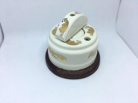 Выключатель 1-кл (проходной) 2х позиц. (Золото) с подроз. вишня с кер ручкой (ПОЛУМЕСЯЦ) арт.Z003186