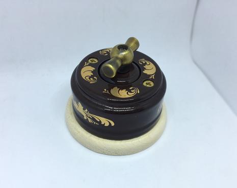 Выключатель 1-кл (проходной) 2х позиц. (Магия золота) с подроз. береза с МЕТАЛ. РУЧКОЙ бронза арт.Z003106
