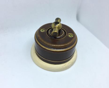 Выключатель 1-кл (проходной) 2х позиц. (Карамель) с подроз. береза с МЕТАЛ. РУЧКОЙ бронза арт.Z003110