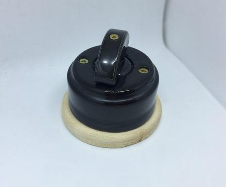 Выключатель 1-кл (проходной) 1 поз. ( Черный глянец) с подроз. береза с кер ручкой (ПОЛУМЕСЯЦ) арт.Z003040