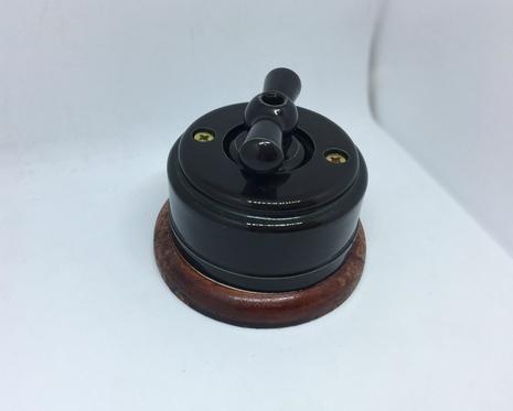 Выключатель 1-кл (проходной) 2х позиц. (Черный глянец) с подроз. вишня с КЕР. РУЧКОЙ (БАНТИК) арт.Z003200