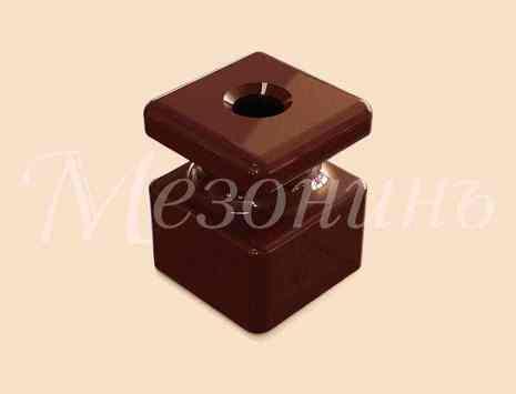 Изолятор фарфоровый квадратный размеры: 20х20х25мм МезонинЪ, цвет - коричневый, GE80025-04